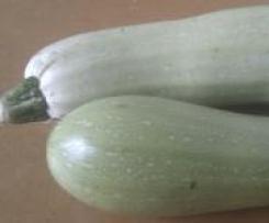 Cheesy zucchini and mint risotto