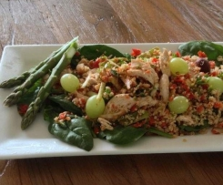 Chicken and quinoa salad with grapes and almonds