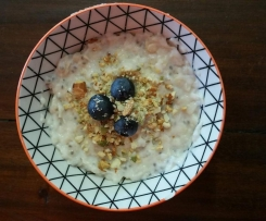 Porridge with Blueberries and Pumpkin seeds