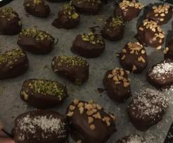 Date and almond butter chocolates