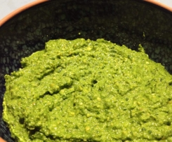 Spinach, Basil & Cashew Dip