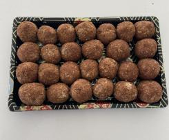 Gingerbread Bliss Balls -Variation of Cinnamon Doughnut Bliss Balls (paleo, raw, vegan, dairy-free, grain-free, gluten-free)