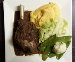 Red Wine Lamb shanks with mashed pumpkin & potato & steamed veggies