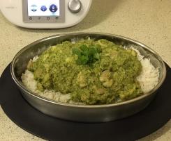 Quick Chicken, Coriander and Cashew Curry