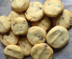 Delicious choc chip cookies