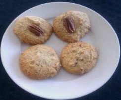 Pecan and Maple Syrup Cookies
