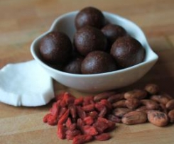 Fudgy raw cacao bean, date & goji treat balls