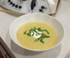 Spicy Cauliflower and Leek Soup
