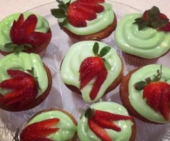 Rekorderlig strawberry-lime cider cupcakes with lime cream cheese frosting