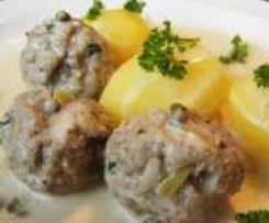 Koenigsberger Meatballs with caper sauce