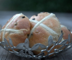 Ultimate Hot Cross Buns