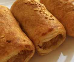 CLASSIC MEAT SAUSAGE ROLLS