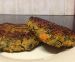 SWEET POTATO, KALE & QUINOA FRITTER