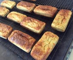 Cheesy corn and broccoli muffins