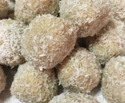 Raw Vanilla Coconut Bliss Balls