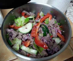 Lamb, capsicum and cucumber salad