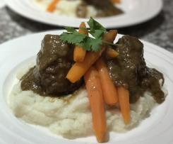 Beef Cheeks on Mashed Cauliflower & Baby Carrots