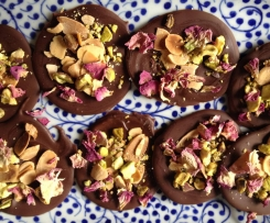 Sea Salt, almonds and pistachio chocolate snaps