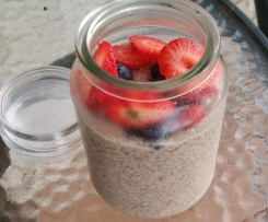 Vanilla Chia Pudding with Fresh Berried