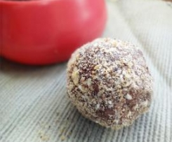 Really Healthy Chocolate Balls