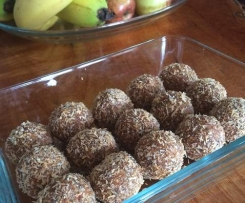 Lemon Chia Bliss Balls