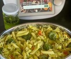 Low FODMAP Chicken Pesto Pasta