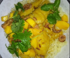 Green Fish Curry with Mango and Shallot Salsa
