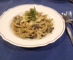 Creamy Mushroom and Garlic Pasta (FRESH)