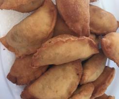Variation Sambousek (Lebanese meat pies)