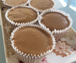 Donna Hay's Caramel Maple Cupcakes with Fudge Frosting