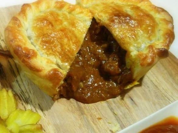 Best Ever Beef Pie By Ebonyd A Thermomix Sup Sup Recipe In The Category Main Dishes Meat On Www Recipecommunity Com Au The Thermomix Sup Sup Community