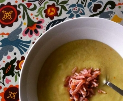 Spicy Cauliflower and Bacon Soup