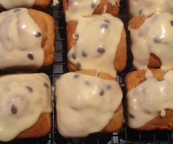 Mini banana passion cakes