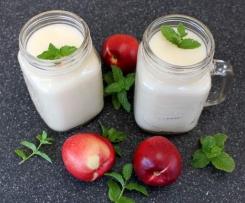White Nectarine and Elderflower Cocktail