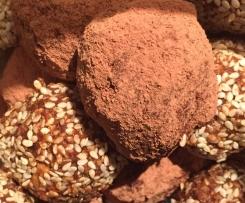 Peanut Banana Cacao Energy Balls / Truffles