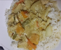 HUNTERS THAI GREEN CURRY (Chicken & veg)