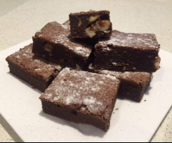 Chocolate and Macadmia Brownie
