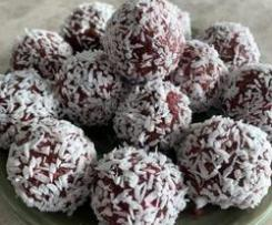 Raspberry, almond, cacao and hemp bliss balls