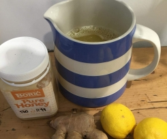 Spicy lemon, honey and ginger tea for winter ailments!