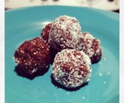 Macadamia and date chocolate balls