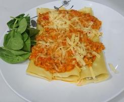 Turkey and Ricotta Cannelloni with vegetable sauce