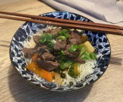 Janine's Nua Phad Prik Thai Onn - Pepper Beef Stirfry - Thermie and Friends