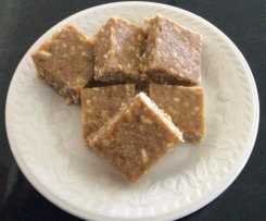 Amanda's Fruity Slice (adapted from a family recipe - Amanda's Fruity Nutty Slice)