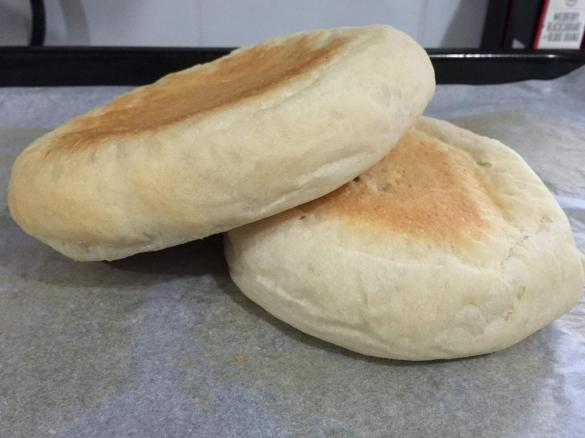 Flat Hamburger Rolls Lightweight Fluffy By Amybrycemakeupfx A Thermomix Sup Sup Recipe In The Category Breads Rolls On Www Recipecommunity Com Au The Thermomix Sup Sup Community