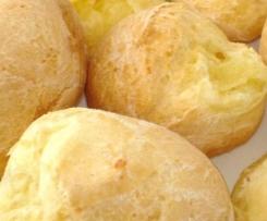 Gluten Free Cheese Ball (Pão de Queijo)