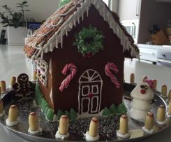 Delicious gingerbread men or gingerbread house