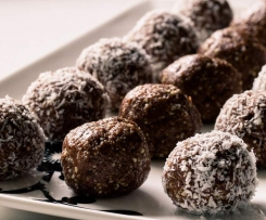 Raw Chocolate hazelnut balls