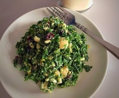 QUICK KALE SALAD