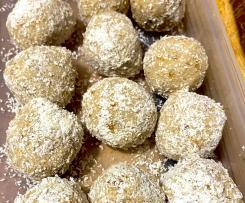 Banana Balls with Oats and Apricots