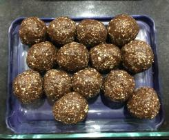 Raw Cacao & Almond Protein Balls